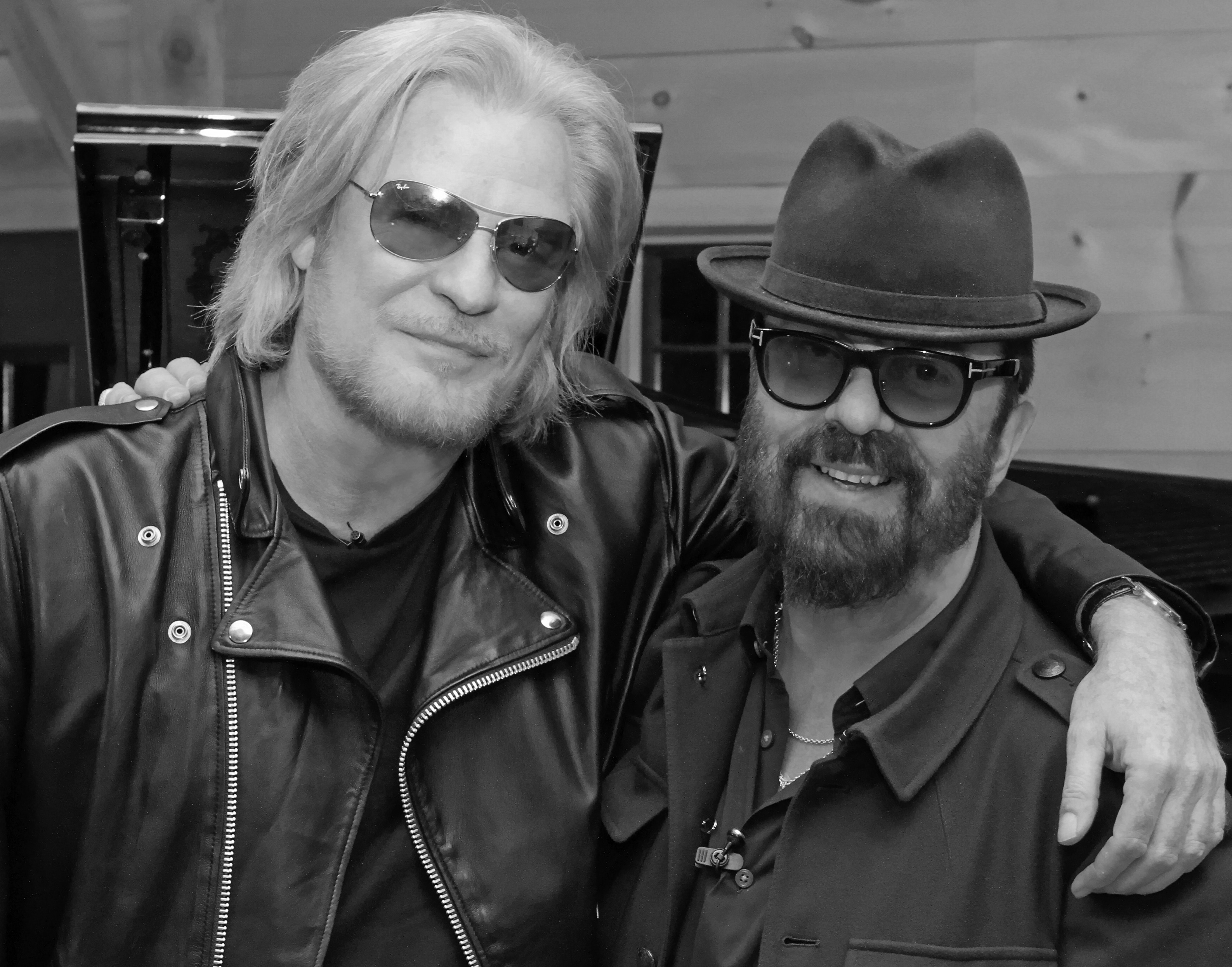 For a photo of Daryl Hall and Dave Stewart from the taping, please